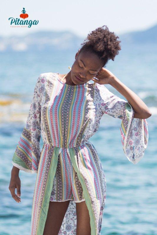 modella su spiaggia shooting fashion mare