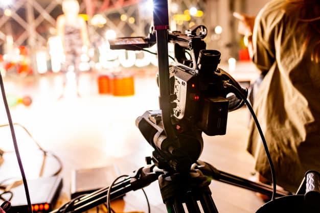 videocamera dietro le quinte videomaker